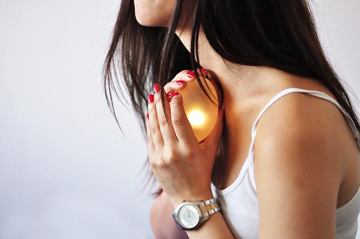 Skleněné vajíčko lumen je světlo, které se rozsvítí po vložení pozitivního těhotenského testu.